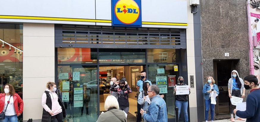 Primera jornada de huelga en los supermercados Lidl de Asturias por falta de protección
